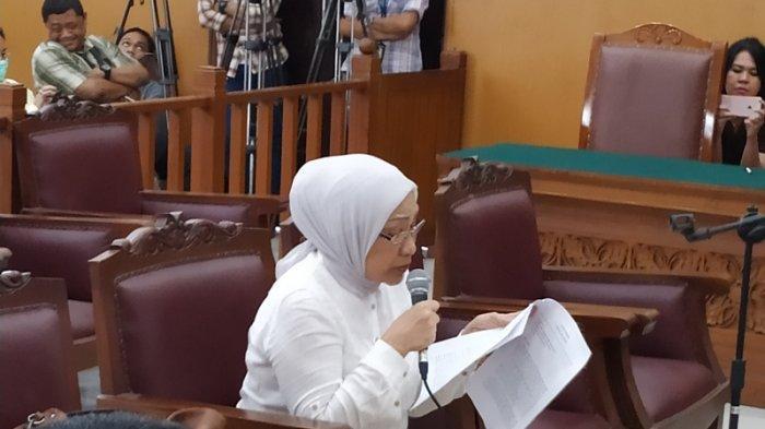 Ratna Sarumpaet Menangis Minta Dibebaskan: Kembalikan Saya ke Pelukan Anak-anak Saya