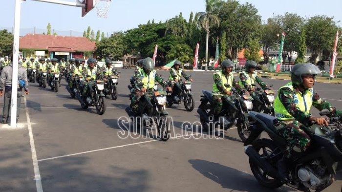 Raih Emas, di Surabaya Serda Rifki Dijemputi Kendaraan Tempur, Panser dan Diarak 150 Motor Babinsa