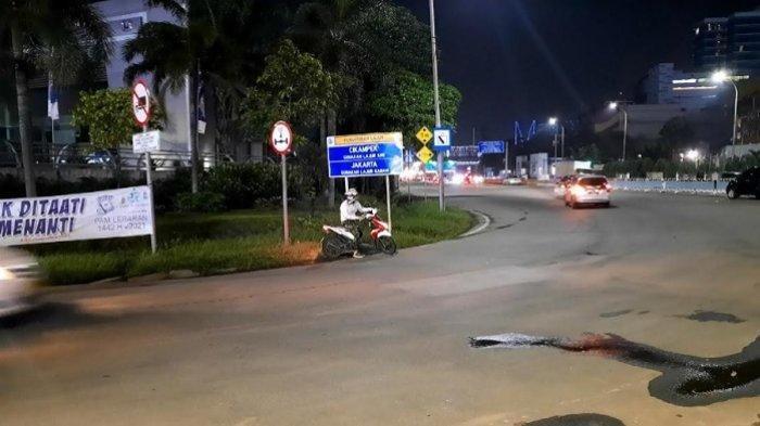 Ratusan Pengendara Motor Salah Belok ke Akses Gerbang Tol Bekasi Barat 1