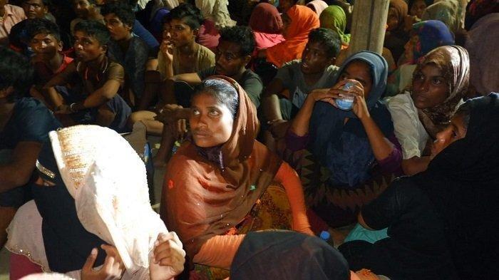 Militer Myanmar Dilaporkan Mencoba Ambil Hati Warga Rohingya di Tengah Protes Anti-Kudeta