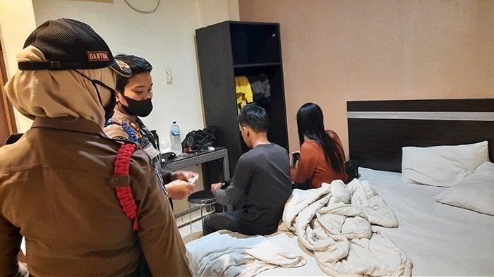 Razia Akhir Pekan, Petugas Satpol PP Amankan Wanita Hamil 6 Bulan dalam Satu Kamar Bareng 3 Pria