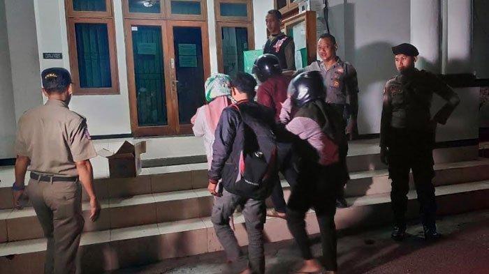 Razia di Hotel Wilayah Tuban, Pasangan Kakek dan Nenek Ikut Diciduk Satpol PP