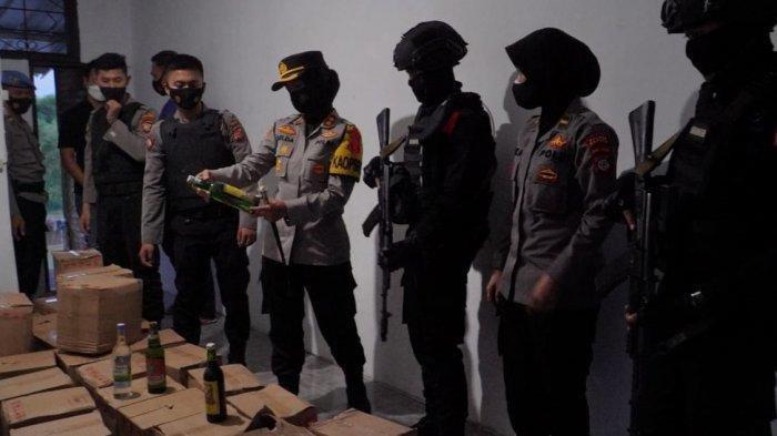 Razia Jelang Takbiran, Polres Banjar Sita Ribuan Botol Miras