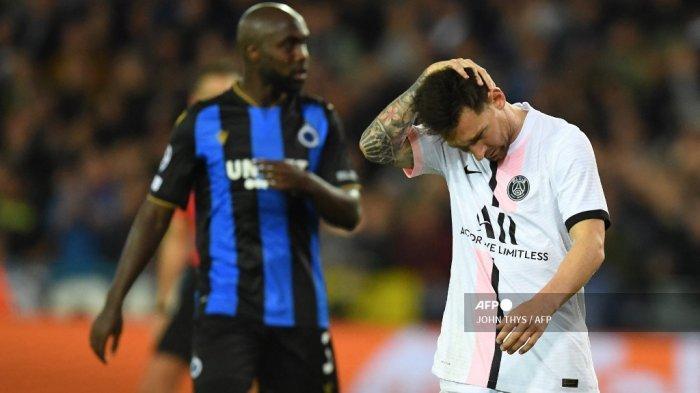 Reaksi penyerang Paris Saint-Germain Argentina Lionel Messi selama pertandingan sepak bola Grup A Liga Champions UEFA Club Brugge melawan Paris Saint-Germain (PSG) di Stadion Jan Breydel di Bruges, pada 15 September 2021.