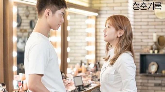 Sinopsis Record of Youth Episode 13: Karier dan Percintaan Hye Jun Tak Selalu Berjalan Mulus