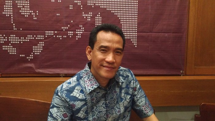 Sempat Berpikir Positif, Kini Refly Harun Curiga Jokowi Gunakan Omnibus Law untuk Tumpuk Kekuasaan