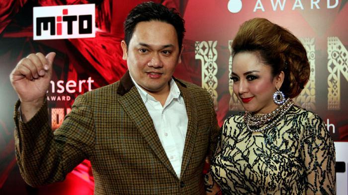 Regina Buka 'Lowongan' Suami Pengganti Farhat Abbas di Twitter