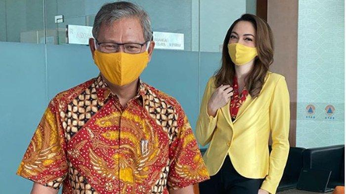 Wajah dr Reisa Brotoasmoro tak lagi menghiasi konferensi pers corona virtual di Gedung BNPB, Jakarta Pusat. Begitu juga dengan Achmad Yurianto.