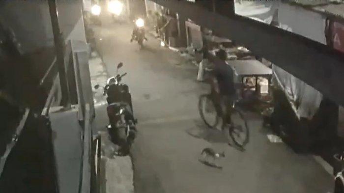 Pura-pura Kencing di Tembok, 2 Remaja Curi Sepeda Gunung di Cengkareng, Aksinya Terekam CCTV