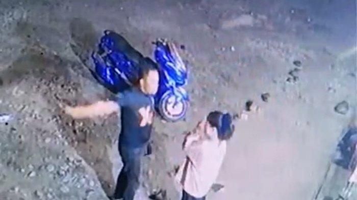 Ingin Lihat Anak, Wanita Ini Malah Ditendang Oleh Mantan Suami, Kejadian Terekam CCTV
