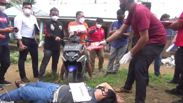 Rekonstruksi Pembunuhan Terhadap Mantan Bos, Korban Dihujani Belasan Kali Tusukan