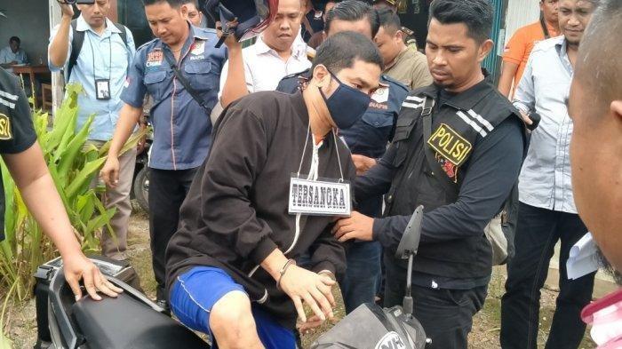 Polisi melakukan reka ulang kasus pembunuhan Hakim Jamaluddin, Selasa (21/1/2020).