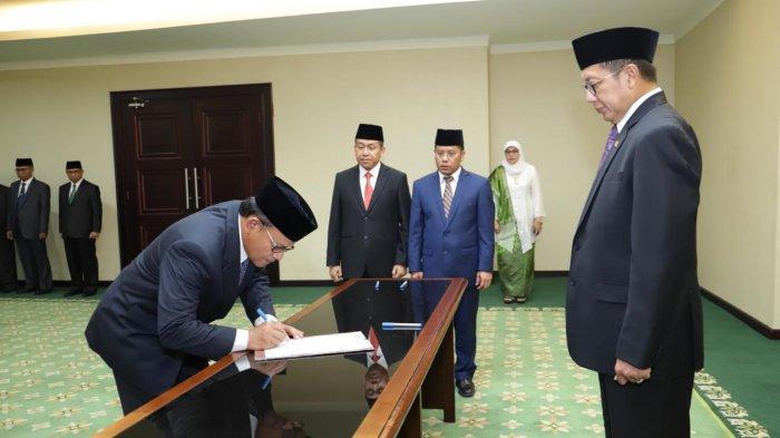 Menteri Agama Lantik Komaruddin Hidayat Sebagai Rektor UIII periode 2019 – 2024