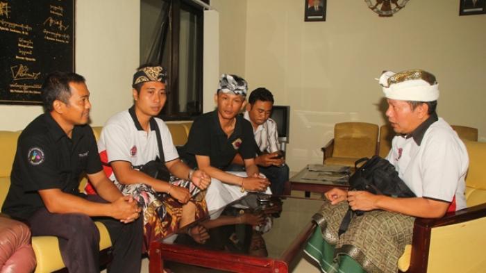 Relawan Hindu Protes Tayangan Mister Tukul Jalan-jalan di Pura