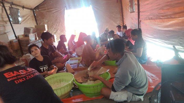 Relawan Baguna PDIP Gelontorkan Nasi Bungkus 2 Ribu Perhari untuk Korban Gempa Lombok