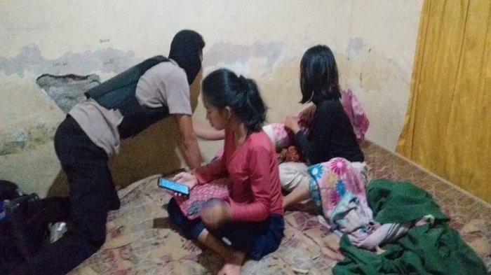 Empat Muda-mudi Digerebek Polisi Saat Pesta Miras di Kamar Kos