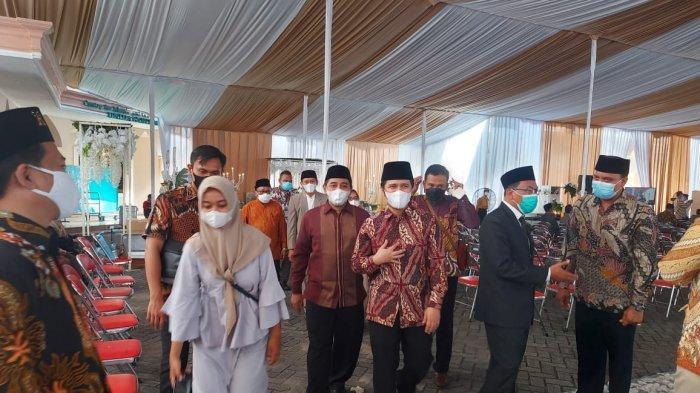 Emil Dardak hingga Mantan Wakapolri Hadiri Resepsi Pernikahan Ustaz Abdul Somad