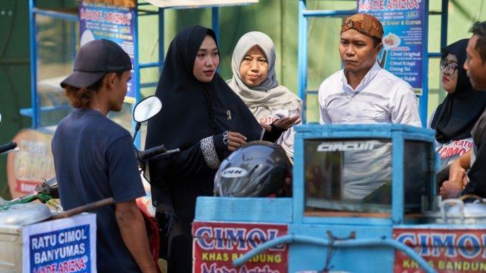 Semangat Ratu Cimol, Rintis Usaha sejak SMA, Kini Jadi Perantara Rezeki bagi Sesama