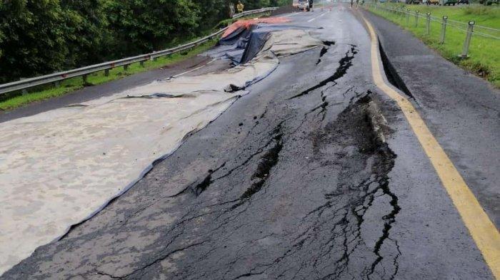 Menteri Basuki Minta Penanganan Jalan Tol Cipali KM 122 Akibat Longsor Dipercepat