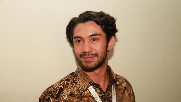 Reza Rahadian: Saya Tak Akan Bisa Menyenangkan Semua Orang