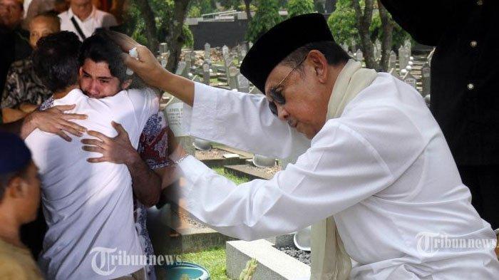 Reza Rahadian menangis di rumah BJ Habibie