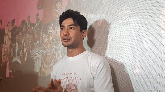 Tantangan yang Dihadapi Reza Rahadian saat Perankan Pengki di Film Benyamin Biang Kerok 2