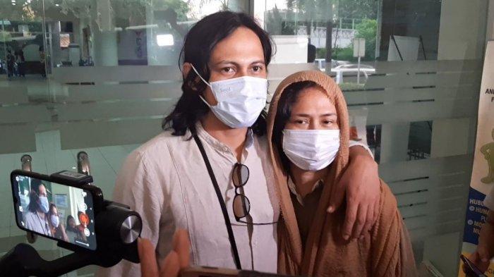 Ria Irawan Dikabarkan Kembali Dirawat di RSCM, Mayky Wongkar: Selalu Kuat, Love You So Much
