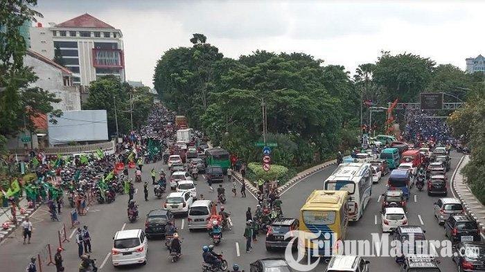 5 Anggota Anarko Ditangkap Polisi, Usai Menyusup ke Ribuan Massa Buruh di Surabaya & Picu Kericuhan