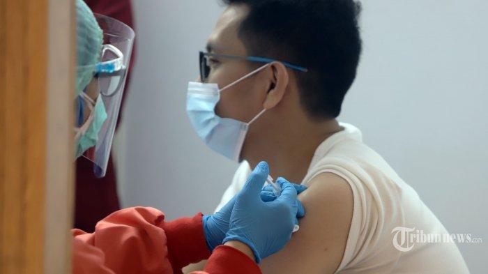 Apakah Suntik Vaksin Covid-19 Pengaruhi Kesehatan Orang yang Sedang Puasa?