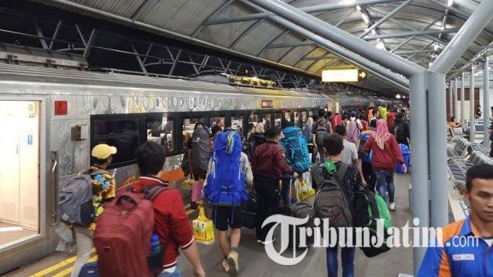 Arus Balik H+3 Lebaran, 41 Ribu Penumpang Berangkat Naik Kereta Api dari Daop 8 Surabaya