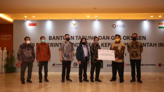 Bantu Tangani Tsunami Covid-19, Indonesia Kirim Ribuan Tabung Oksigen ke India