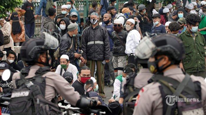 Kuasa Hukum Klaim Hari Ini Rizieq Shihab Bebas