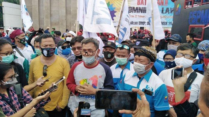 Buruh Kembali Mendemo DPR, Desak Batalkan UU Cipta Kerja Lewat Legislative Review
