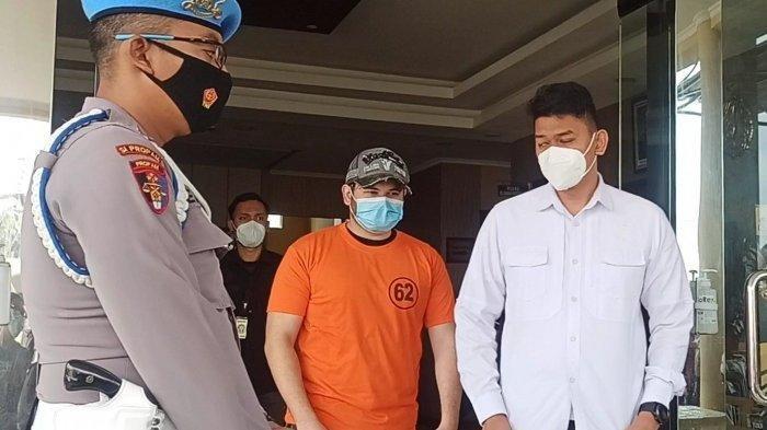 Ridho Rhoma Sembunyikan 3 Butir Ekstasi di Bungkus Rokok di Kantong Celana, Panik Saat Polisi Datang