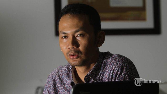 Peneliti terorisme dan intelijen dari Universitas Indonesia (UI), Ridlwan Habib, menjadi pembicara pada diskusi terkait Islamic State of Iraq and Syria (ISIS), di kantor redaksi Tribun, Jakarta Pusat, Senin (23/3/2015). TRIBUNNEWS/HERUDIN