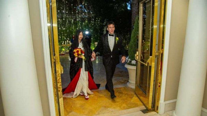 Pernikahan Riko Shibata dan Nicolas Cage