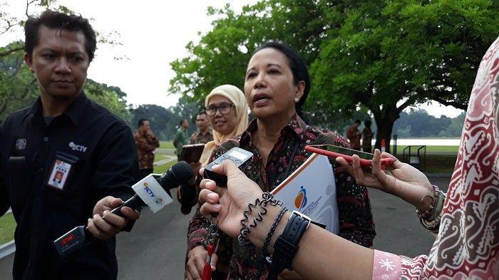 Menteri BUMN Rini Soemarno di Istana Kepresidenan Bogor, Senin (8/7/2019)