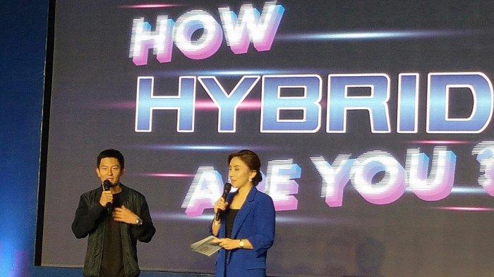 Rio Haryanto Bangga Jadi Pembeli Pertama Toyota C-HR Hybrid