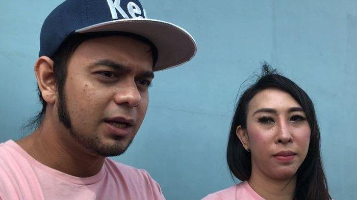 Rio Reifan dan pacarnya Henny Mona