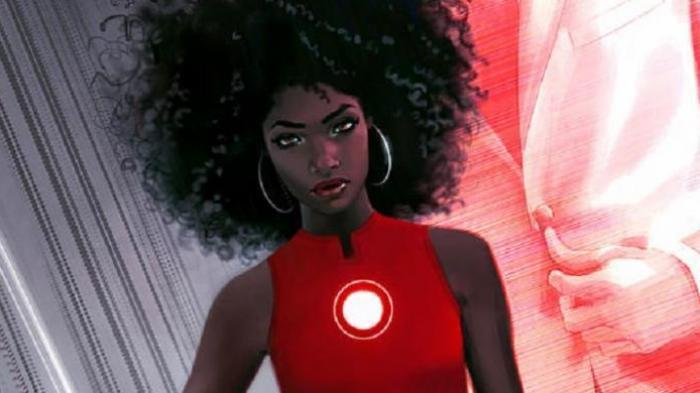 Perempuan Ini Gantikan Tony Stark Sebagai Iron Man