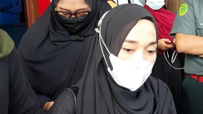Ririe Fairus usai sidang di Pengadilan Agama Jakarta Utara, Jalan Plumpang Semper Raya, Jakarta Utara, Rabu (3/3/2021).