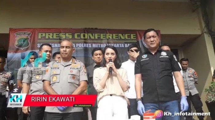 Ririn Ekawati akui berada di tempat, waktu, dan bersama orang yang salah karena telah terbawa dalam kasus narkoba.