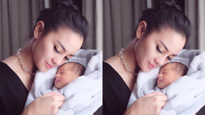 Ririn Ekawati menuliskan doa istimewa untuk keponakannya, Xavier Young Min Ha, putra pertama pasangan Rini Yulianti dan Michael Andrew Ha.