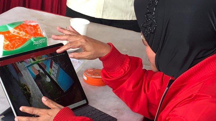 Di Sela Rakernas PDIP, Risma Awasi Pompa Air Surabaya Melalui Ponselnya
