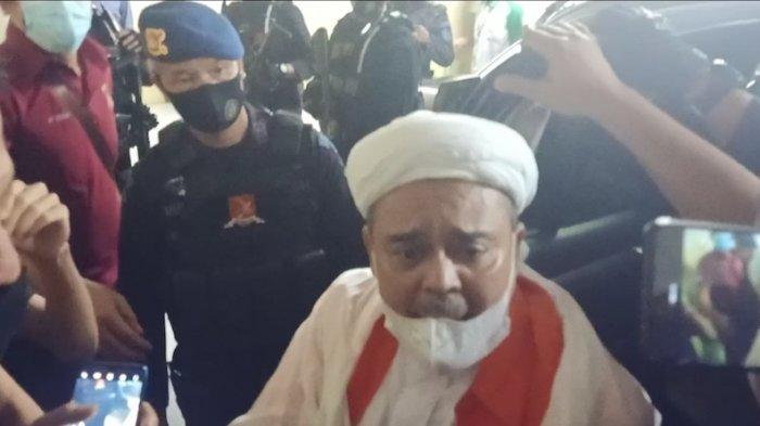 Kejaksaan Limpahkan Dua Troli Berkas Perkara Habib Rizieq Cs ke Pengadilan Negeri Jakarta Timur