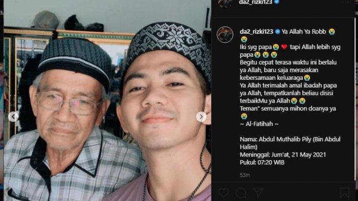 Rizki Da membagikan foto-foto mendiang ayahnya.
