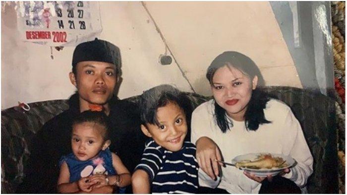 Rizky Febian Unggah Foto lawas, bersama Sule, Putri Delina, dan Lina