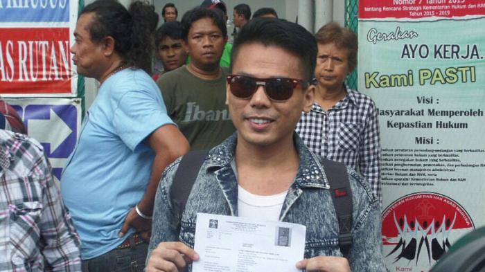 Mucikari, Robbi Abbas ketika ditemui usai bebas dari kurungan penjara atas kasus prostitusi online, di Rumah Tahanan Cipinang, Jakarta Timur, Selasa (10/5/2016).