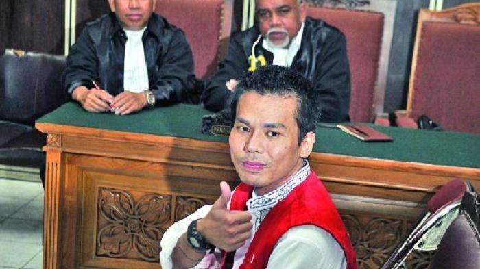 Di Depan Majelis Hakim Mucikari Robby Minta Maaf pada Presiden Jokowi