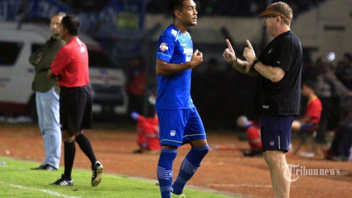 Eks-PSV Eindhoven Calon Pengganti Omid Nazari di Persib Bandung? Ini Respons Robert Rene Alberts